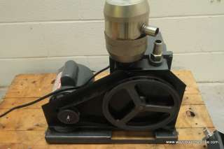 WELCH DUO SEAL VACUUM PUMP MODEL 1402