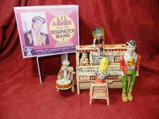 ANTIQUE TIN LITHO WINDUP TOY LIL ABNER DOG PATCH BAND WITH BOX